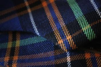 Blue-cotton-plaid-bow(close-up)