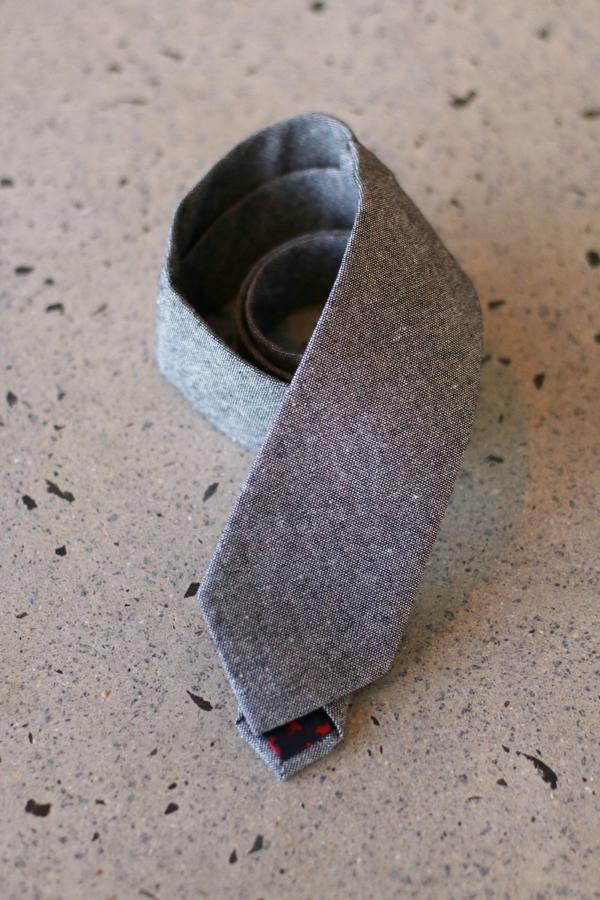grey-tie