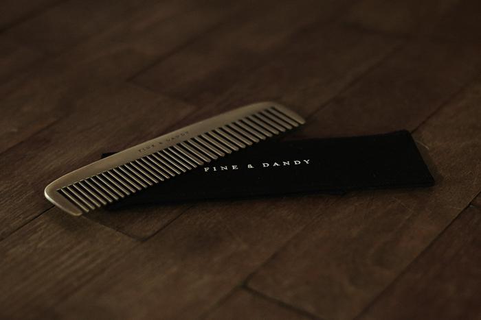 Fine-&-Dandy-Comb