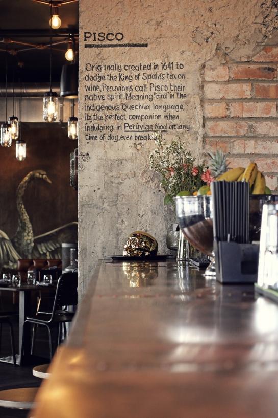 pisco-bar-wall